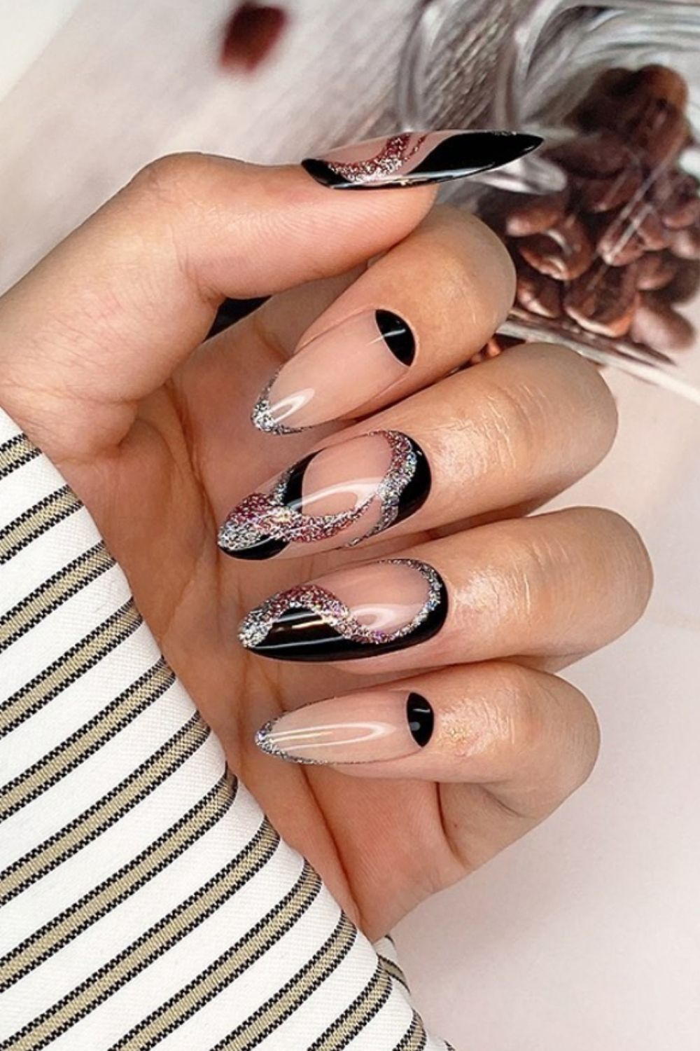 Black and glitter almond nails ideas