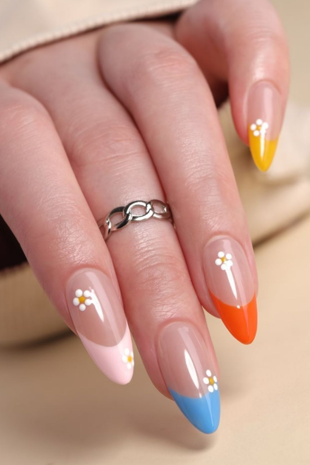 Cute almond nails with flowers