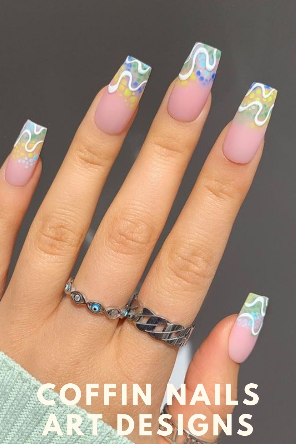 Relaxed, simple nail design, with summer very collocation.